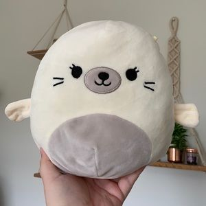 """8"""" Lucille the seal pup Squishmallow NWOT"""